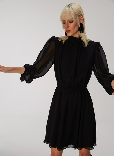 People By Fabrika Sırt Detaylı Elbise Siyah